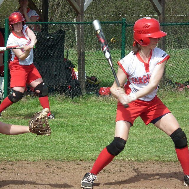 Der frühe Cardinal fängt den Ball!